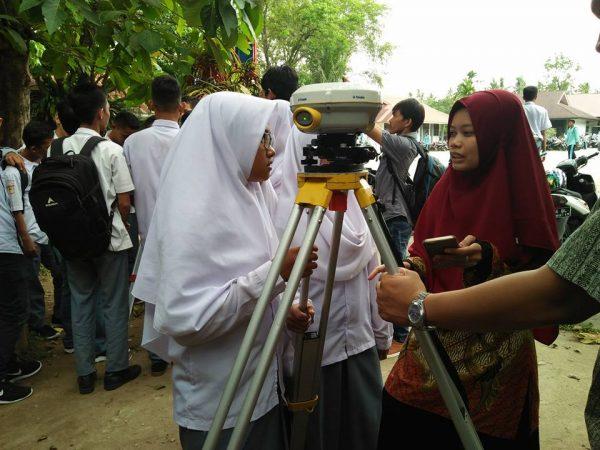 Open Lab Teknik Geodesi SMA N 12 Padang